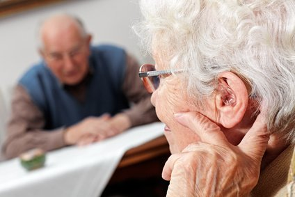 Senioren und Schwerhörigkeit – das soll man wissen