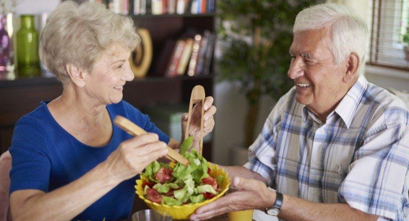 Welche Produkte sollte man in der Ernährung von Senioren vermeiden?