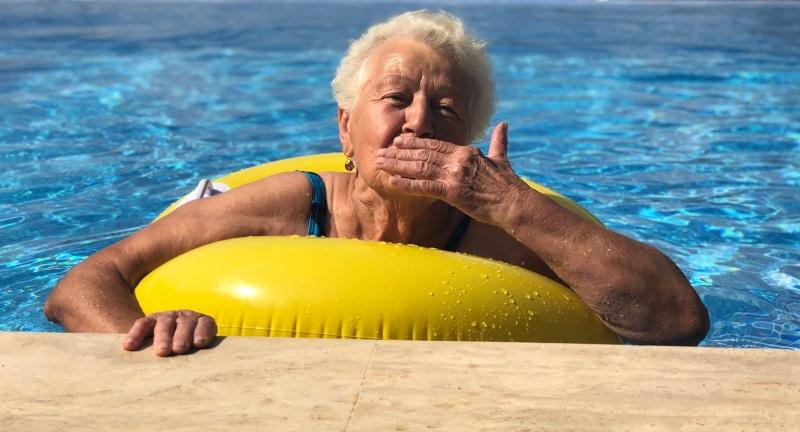 Aqua-Aerobic – Übungen im Wasser für Senioren