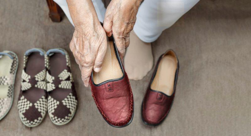 Wie wählt man die richtigen Schuhe für Senioren?